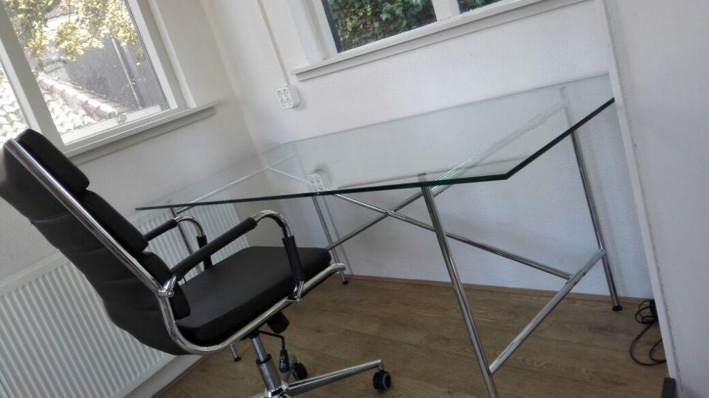 Glazen meubelen en tafelbladen op maat bij ariba glashandel den haag