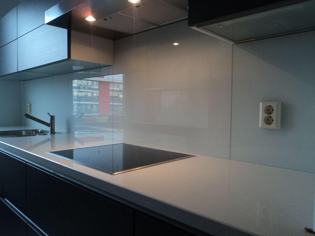 glasplaat monteren : Glasplaat Achter Kookplaat Elegant Achterwand Keuken Met Foto