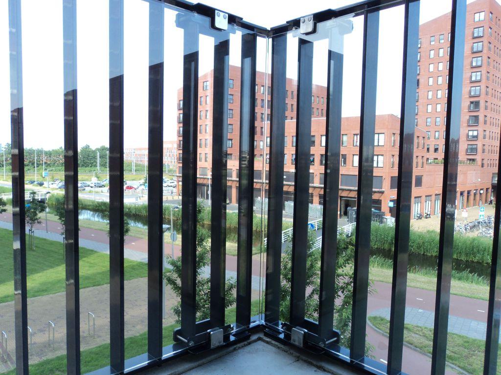 Glazen balustrades op maat voor interieur en exterieur
